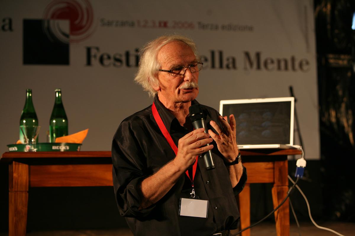 Итальянский нейробиолог рассказал, что можно лечиться силой мысли