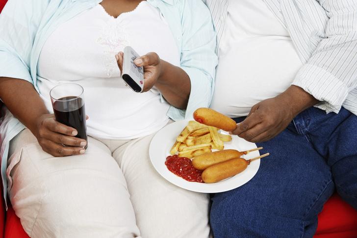 Счастливые пары быстрее набирают лишний вес