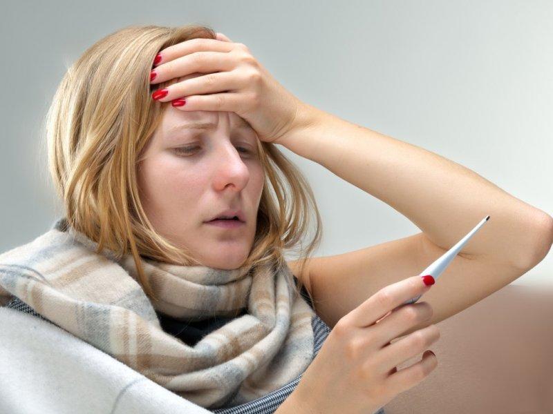 Почему у нас поднимается температура, и когда не стоит пить жаропонижающие