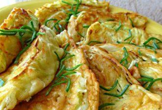 Капустные листья с сыром — вкусное, сытное и полезное блюдо.