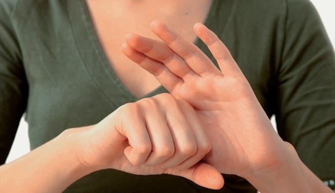 Пальцы на руке имеют связь с органами тела: как японцы самоисцеляются за 5 минут
