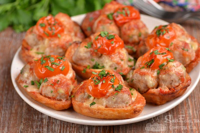 Таким способом блюдо из картофеля, фарша и сыра получается оригинальное и невероятно вкусное