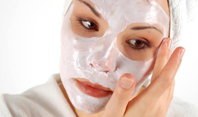 Это средство лучше подтягивает кожу, чем ботокс: эта маска для лица с тремя ингредиентами заставит вас выглядеть на 10 лет моложе