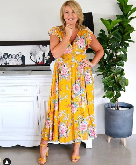 Женщина 60+ в летнем платье – вы понравитесь не только себе, но и окружающим