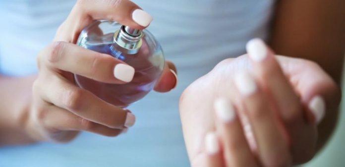 Как закрепить аромат духов на весь день? Очень простой трюк! Теперь пользуюсь только так.