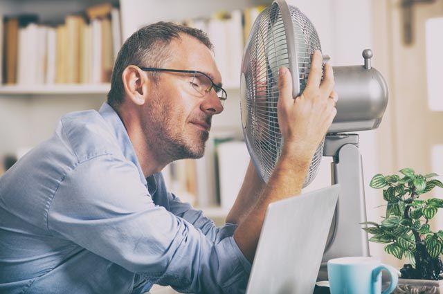 Почему в жару нужно пить горячие напитки