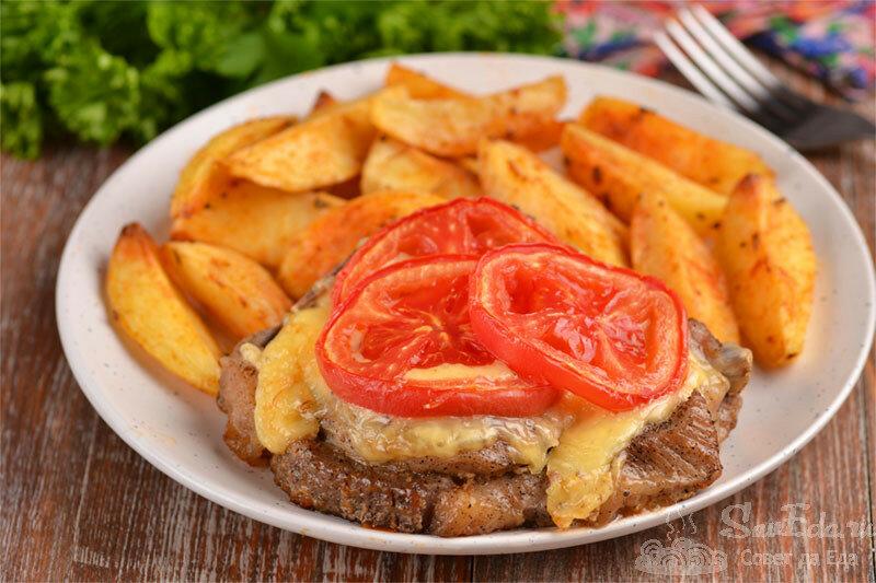 Таким способом любое мясо в духовке получается нежное, тающее во рту (пример со свининой)