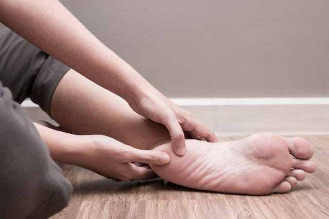 Может ли пол с подогревом вызвать сильные боли в пятке