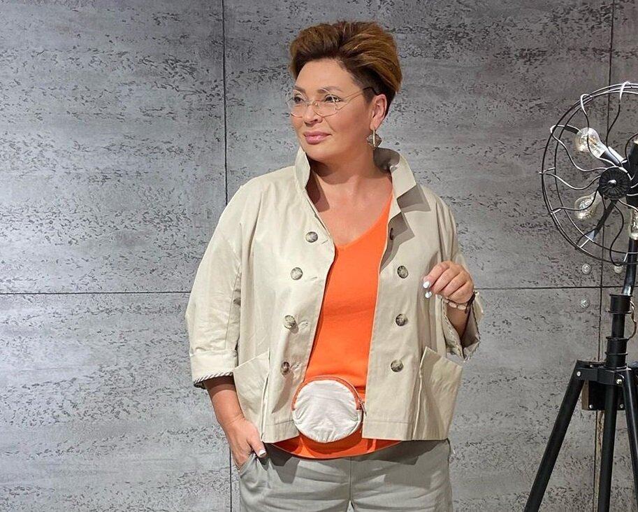 Образы Кэжуал и Бохо с брюками для зрелых женщин 50+