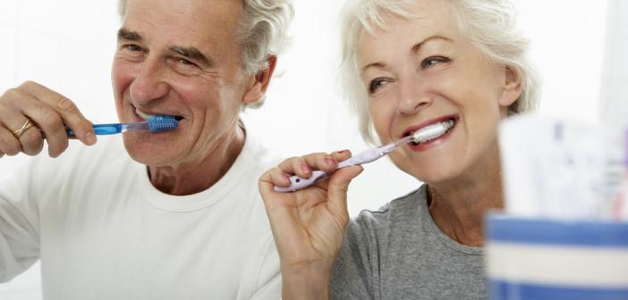 Болезни дёсен могут стать причиной развития слабоумия в старости