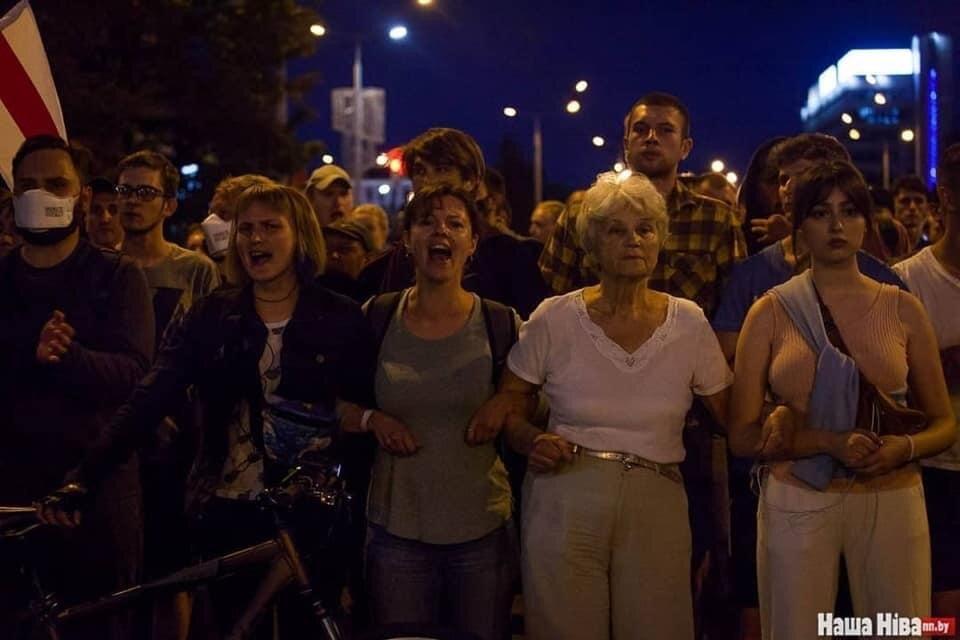 Минчанка рассказала, почему в Беларуси люди протестуют. И кто на самом деле им отключил Интернет