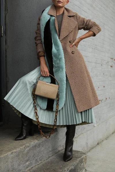 Фото 2 - пальто классическое приталенное.