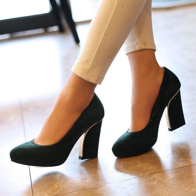 Какую обувь лучше носить осенью активной женщине 50+