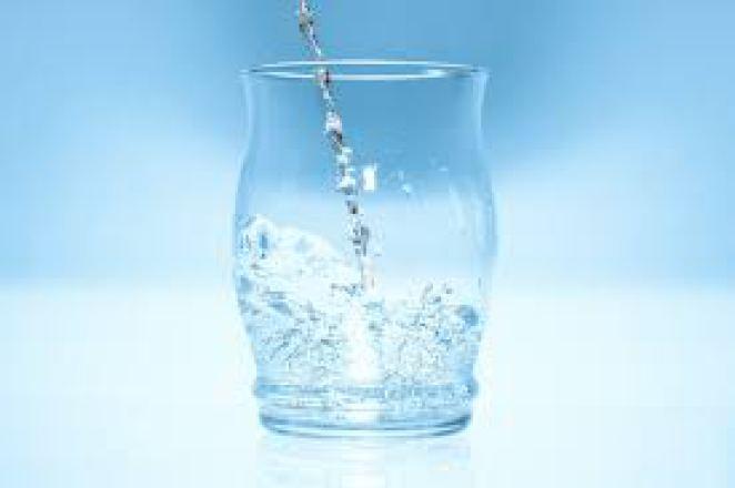 8 признаков того, что вы пьёте мало воды
