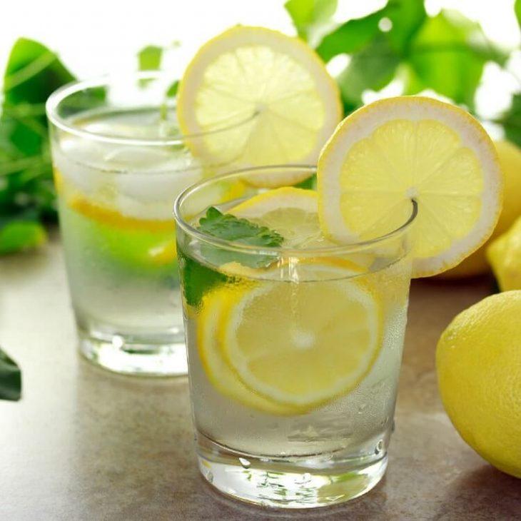 Как лимонная вода способна повлиять на наш организм?