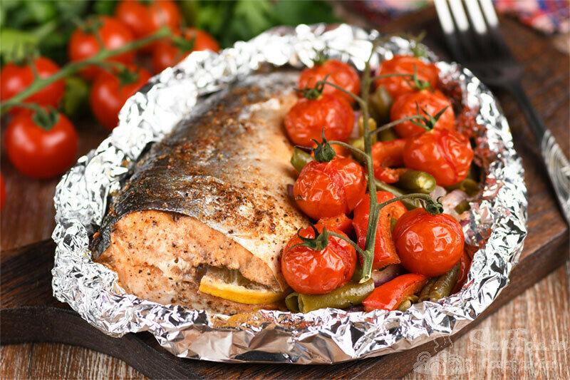 Рыба с овощами в духовке. Простой рецепт на праздничный стол