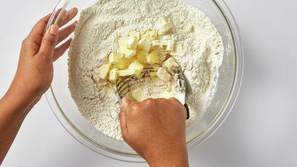 Такой простой и такой вкусный! Рецепт клубничного пирога