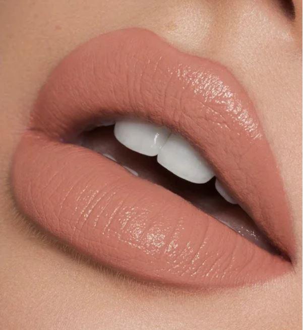Как правильно красить губы после 50: советы визажистов
