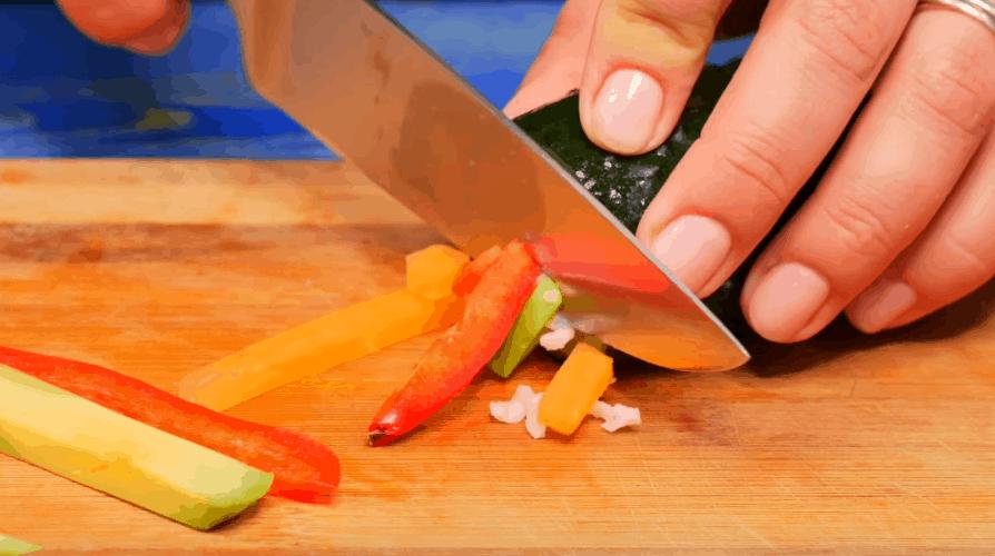 Нетривиальная подача обычных огурцов: оригинально, просто и вкусно