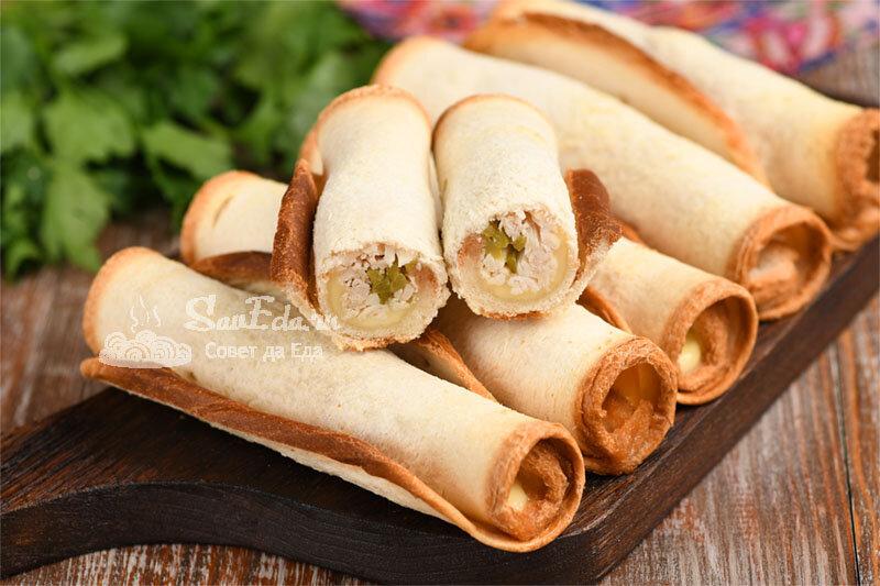 Хрустящие хлебные трубочки с начинкой из того, что есть в холодильнике (рецепт с фото)