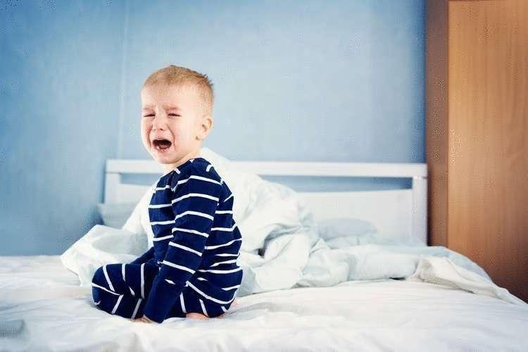 Почему нужно укладывать детей спать в 9 вечера