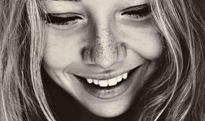 Тот, кто улыбается, всегда сильнее того, кто злится