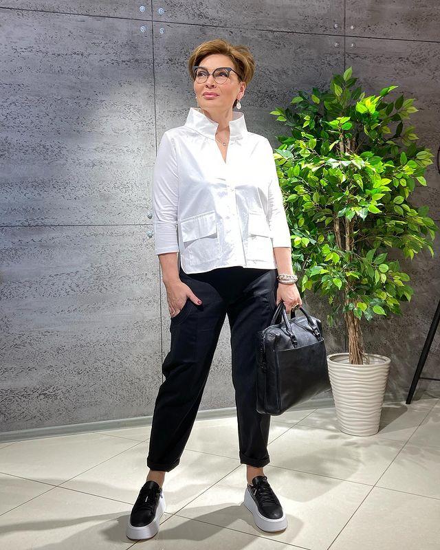 Фото 2 - https://www.instagram.com/konarevairina/