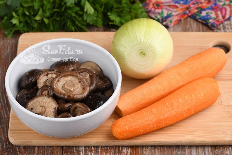 Из моркови, лука и грибов готовлю быструю закуску. Получается много и очень вкусно