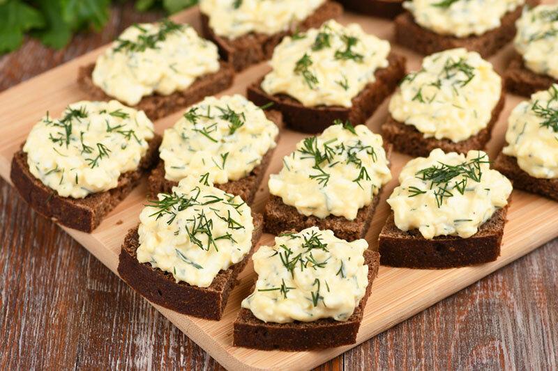 Закуска из яиц и плавленого сыра на скорую руку (просто готовить и вкусно)